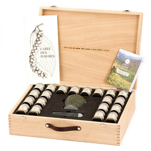 "Terre Exotique ""A Journey Through The Land of Peppers"" Gift box 200g"